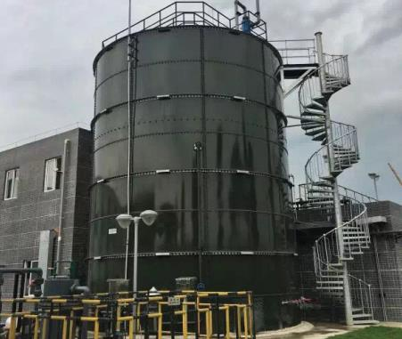 bolted tank installation